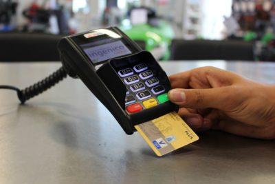 海外でクレジットカードの日本円決済