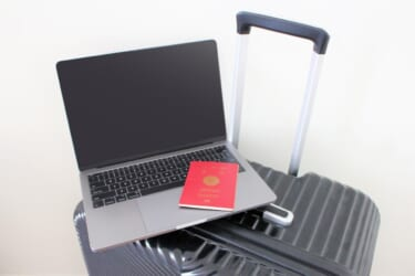 海外転勤や留学予定のある人がNISA、つみたてNISAを始める前に知っておきたいこと